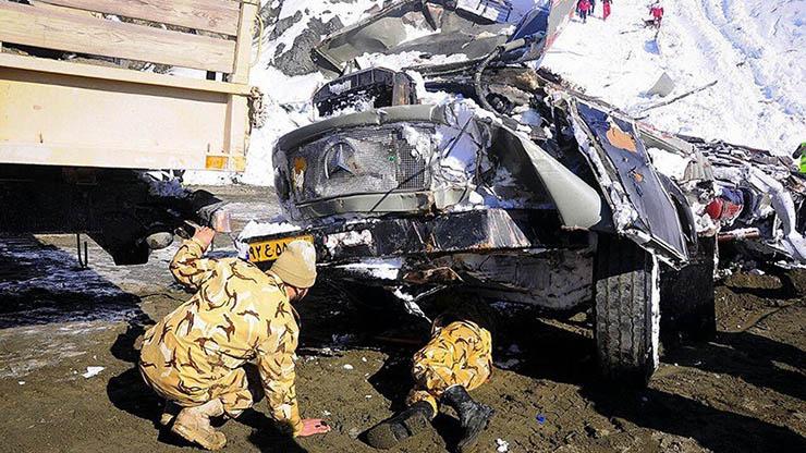 سقوط بهمن در جاده هراز