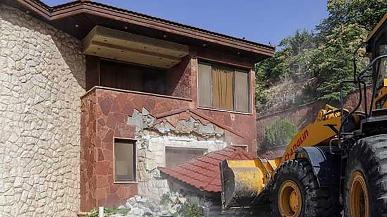 تخریب ویلاهای غیرمجاز در باستی هیلز کرج