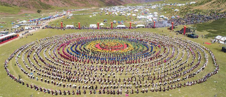 هنرنمایی بزرگترین گروه رقص جهان