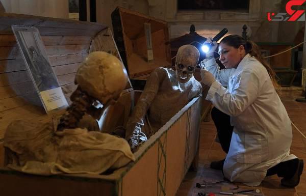 عکس جسد در موزه (3)