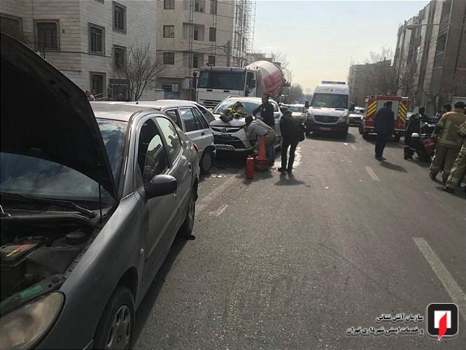 تصادف زنجیره ای در خیابان ستارخان