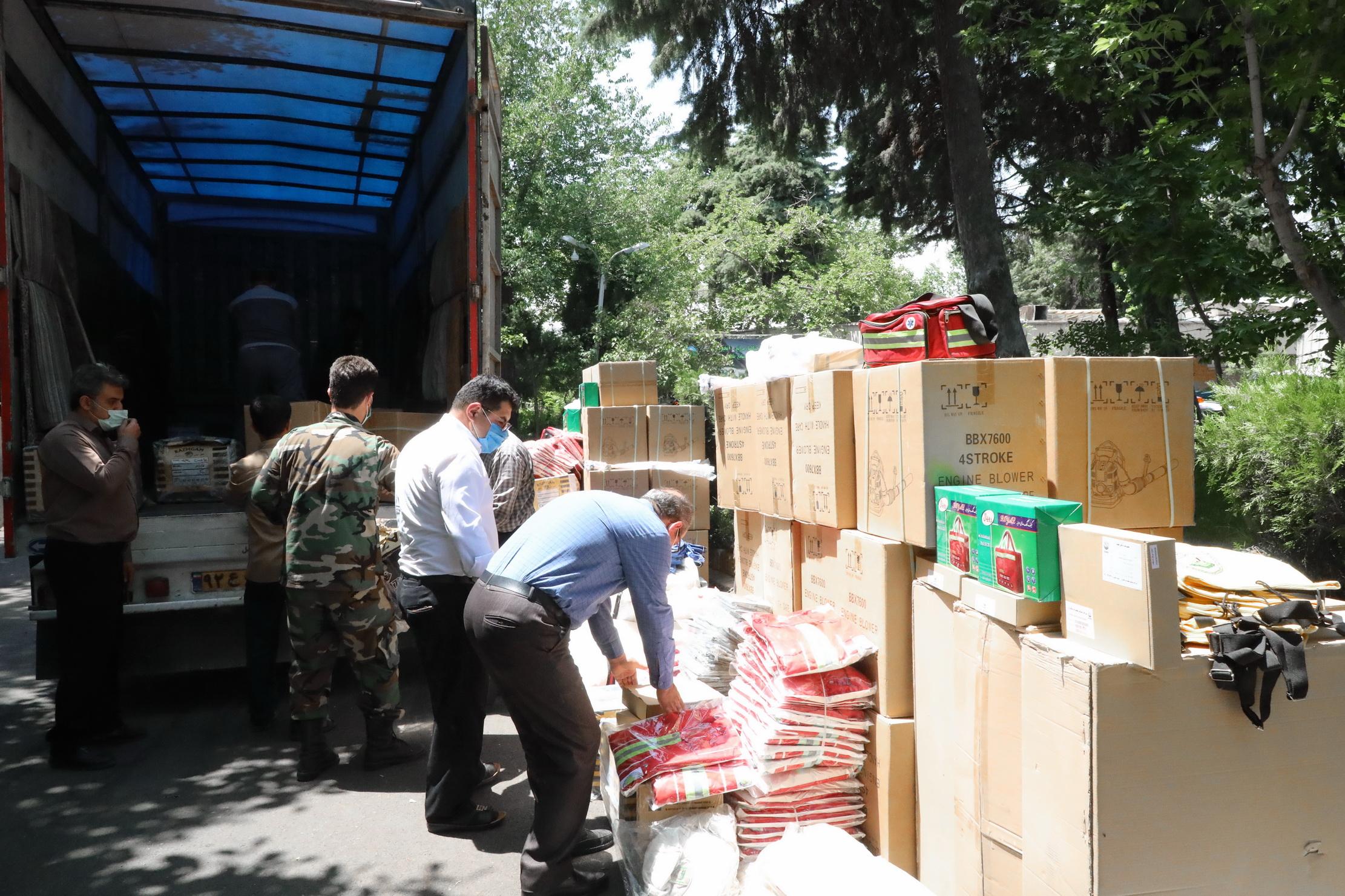 ارسال تجهیزات اطفای حریق جنگل ها به 24 استان 4