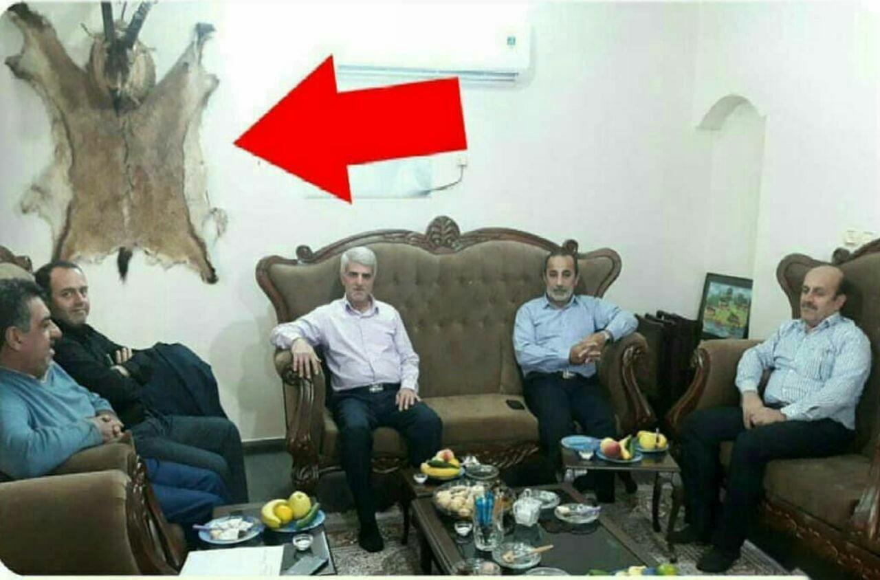 عکس پرحاشیه مسئولان استان مازندران با لاشه یک گوزن