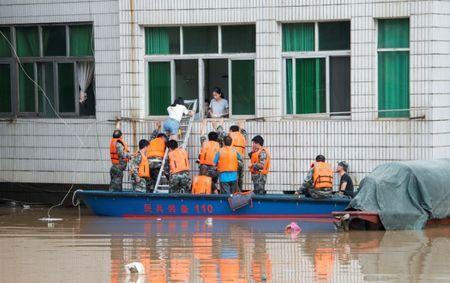 سیلاب چین جان 15 تن را گرفت
