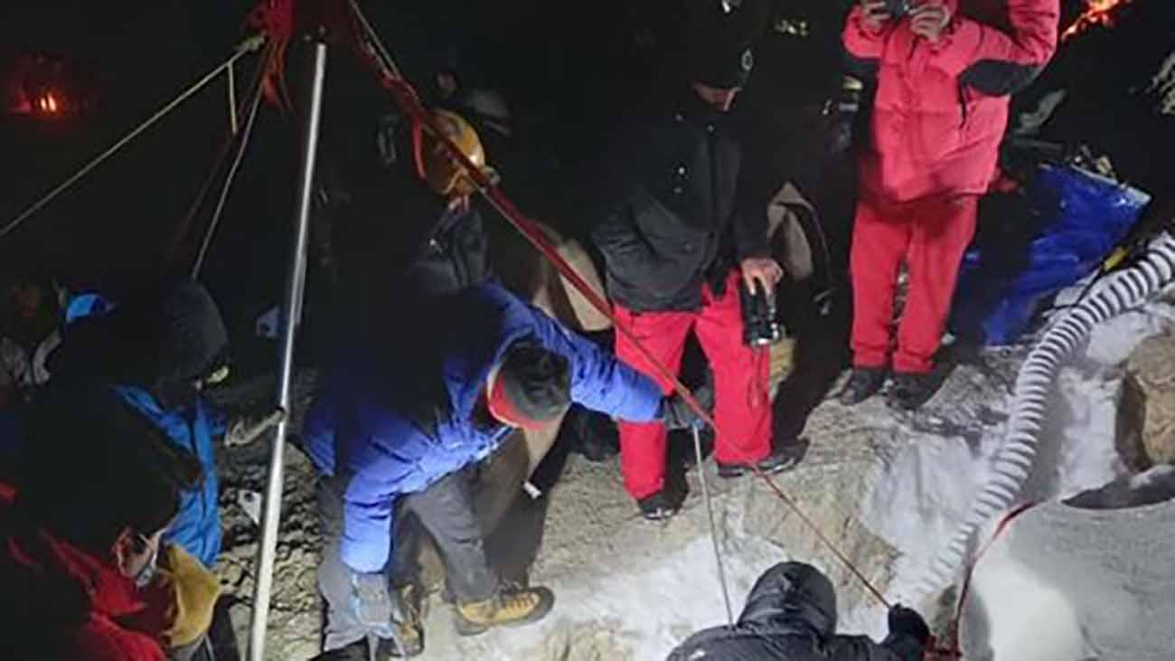 کشف جسد مرد سنندجی گرفتار در غار سمی بابا احمد چالدران