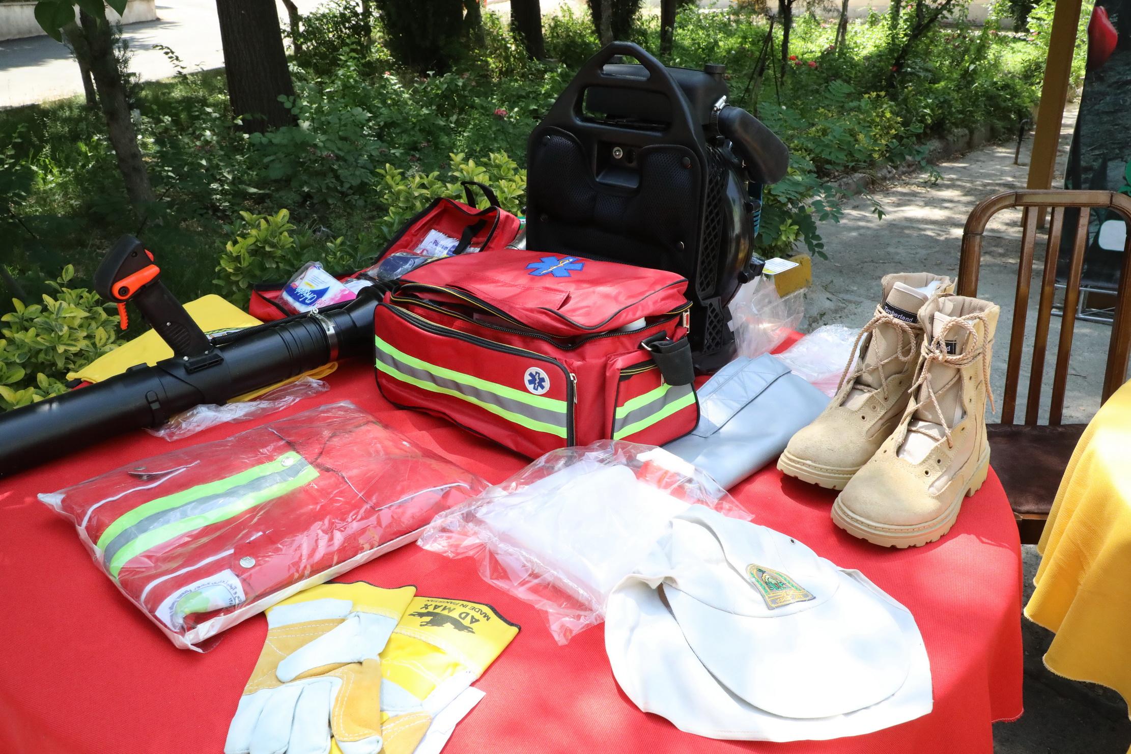 ارسال تجهیزات اطفای حریق جنگل ها به 24 استان 7