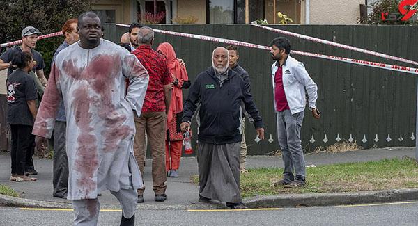 عکس شلیک گلوله در مسجد (2)