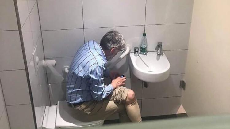 اعتراف استادبزرگ شطرنج به تقلب در توالت!