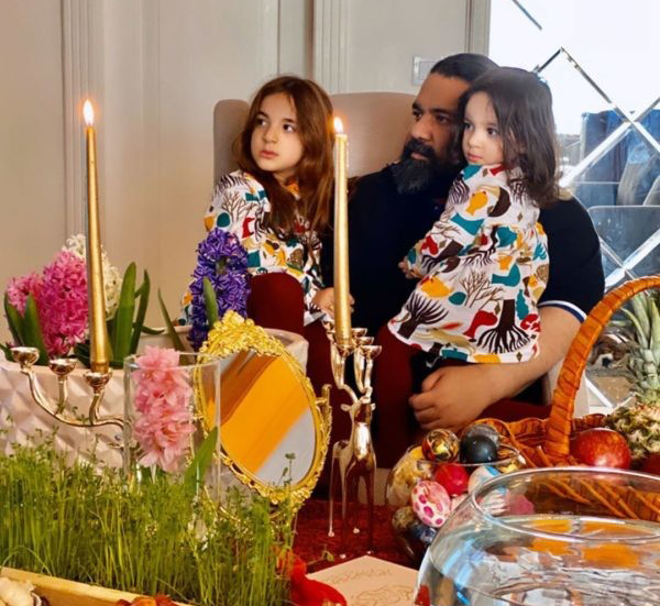 رضا صادقی و دو دخترش
