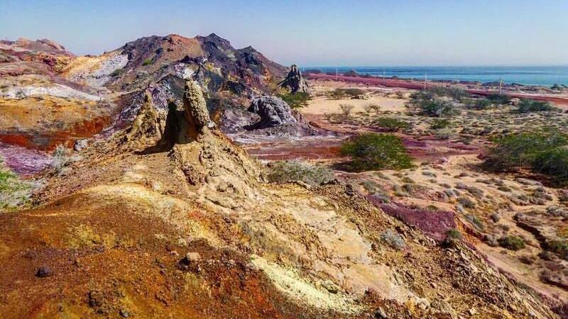 ساحل در خلیج فارس به رنگ خون درآمد