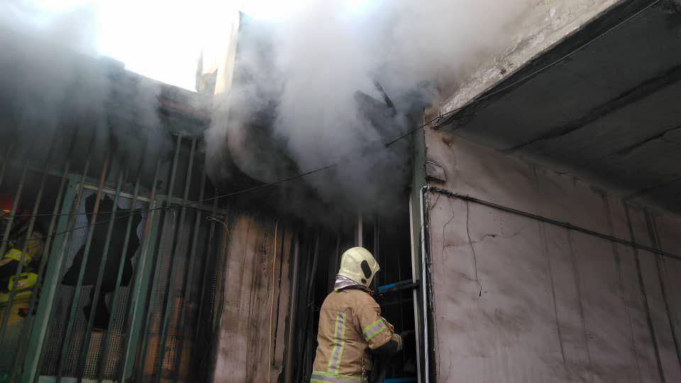آتش سوزی میدان رازی در گاراژ