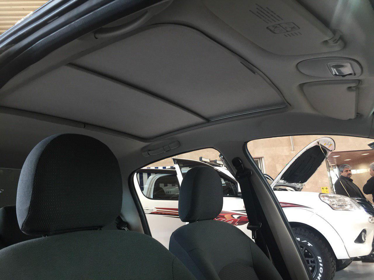 ایران خودرو 207 صندوقدار و هاچ بک با سقف شیشه ای را به نمایش گذاشت