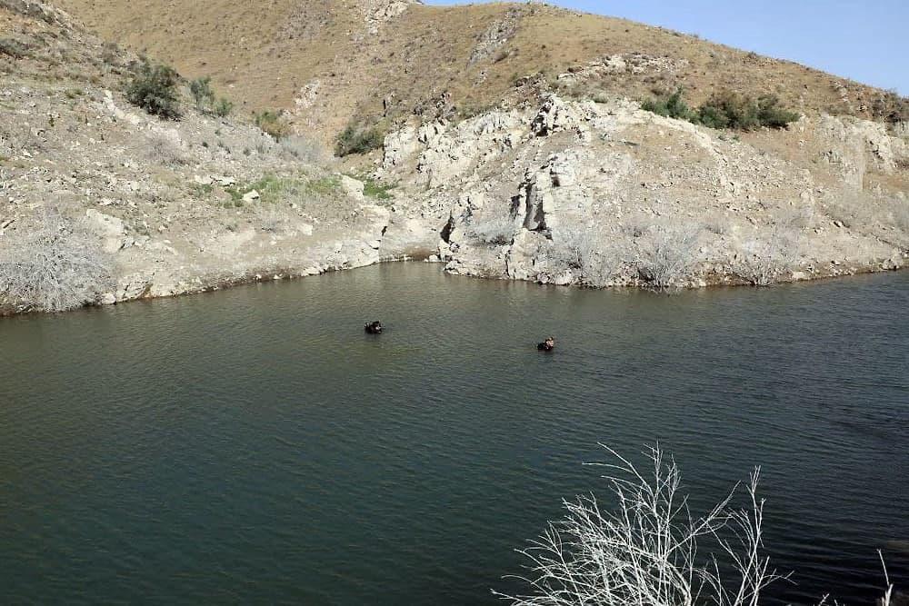 کشف پیکر جوان غرق شده در سد طرق توسط غواصان سازمان آتشنشانی مشهد