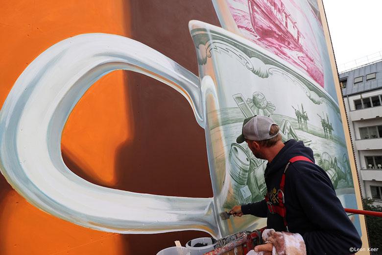 نقاشی دیواری سه بعدی فنجانهای نامتعادل