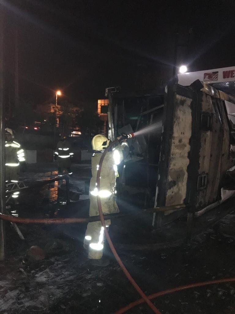 4 عکس از نمای نزدیک انفجار پمپ بنزین پیروزی تهران