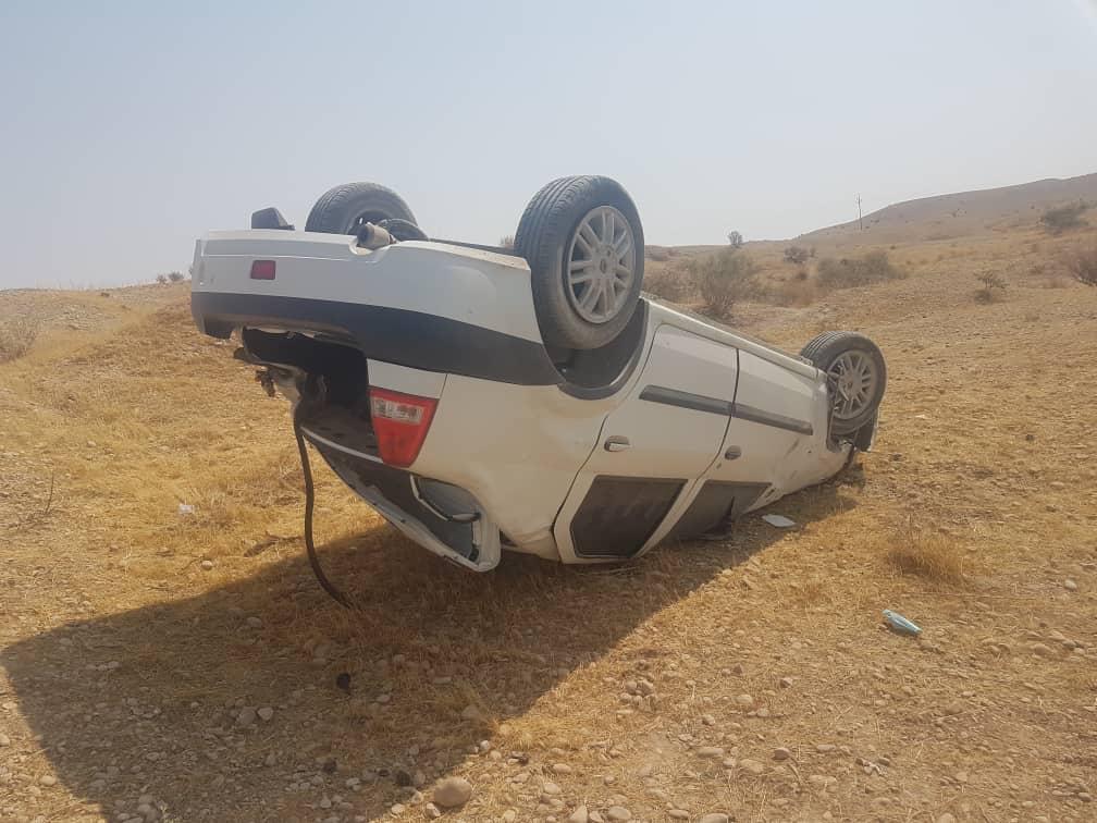 چپ شدن ماشین یک پلیس در جاده ماهشهر