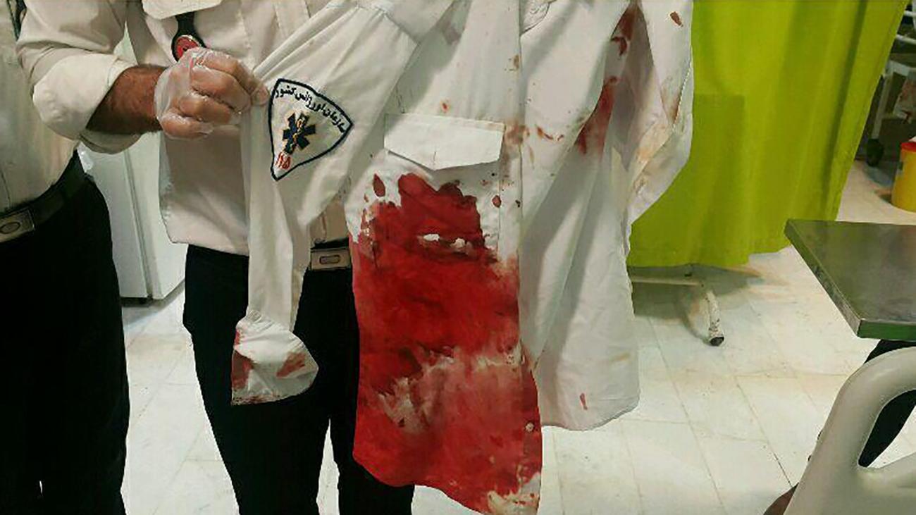 مامور اورژانس چاقو خورده