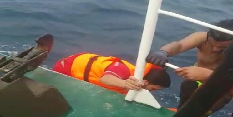 نجات جان 25 صیاد از غرق شدگی در دریا
