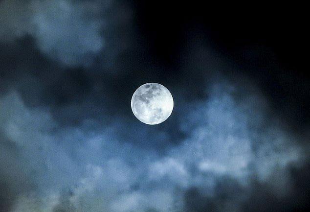 چین، ماه مصنوعی میسازد