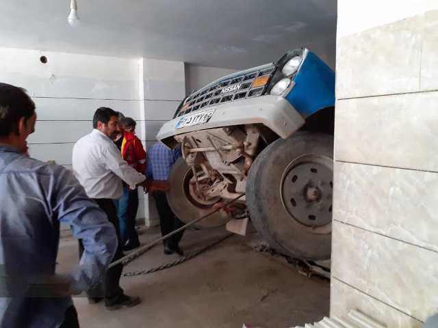 حادثه در پارکینگ گرمسار