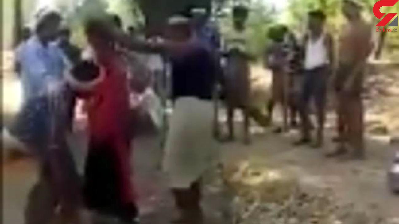 اقدام  وحشیانه اهالی یک روستا با دختر 18 ساله / در هند رخ داد + عکس و فیلم