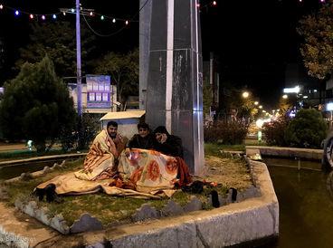 گزارش تصویری از مردم میانه و دلهره در شب زلزله