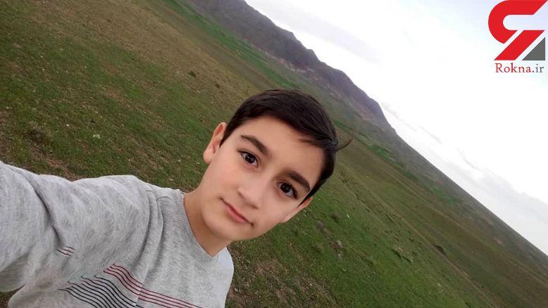 مرگ هولناک محمد امین ۱۲ ساله در زنگ ورزش / او کنار دروازه فوتسال جان باخت + عکس ها