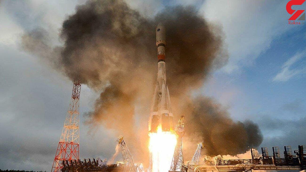پرتاب یک ماهواره پژوهشی به فضا + عکس