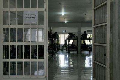 آزادی همه زندانیانی که فقیر یا دارای بدهی کم هستند