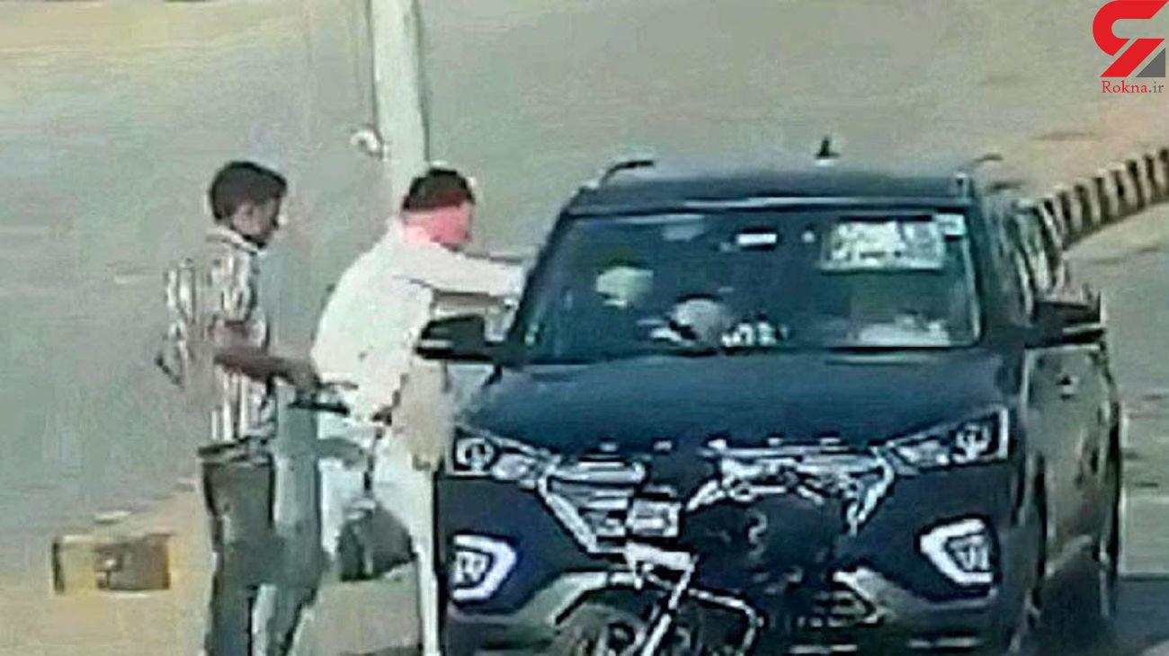 فیلم لحظه کشتن آقای دکتر و همسرش / 2 موتورسوار با آن ها شلیک کردند + عکس