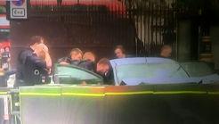 برخورد یک خودرو با موانع امنیتی پارلمان انگلیس در لندن + عکس و فیلم