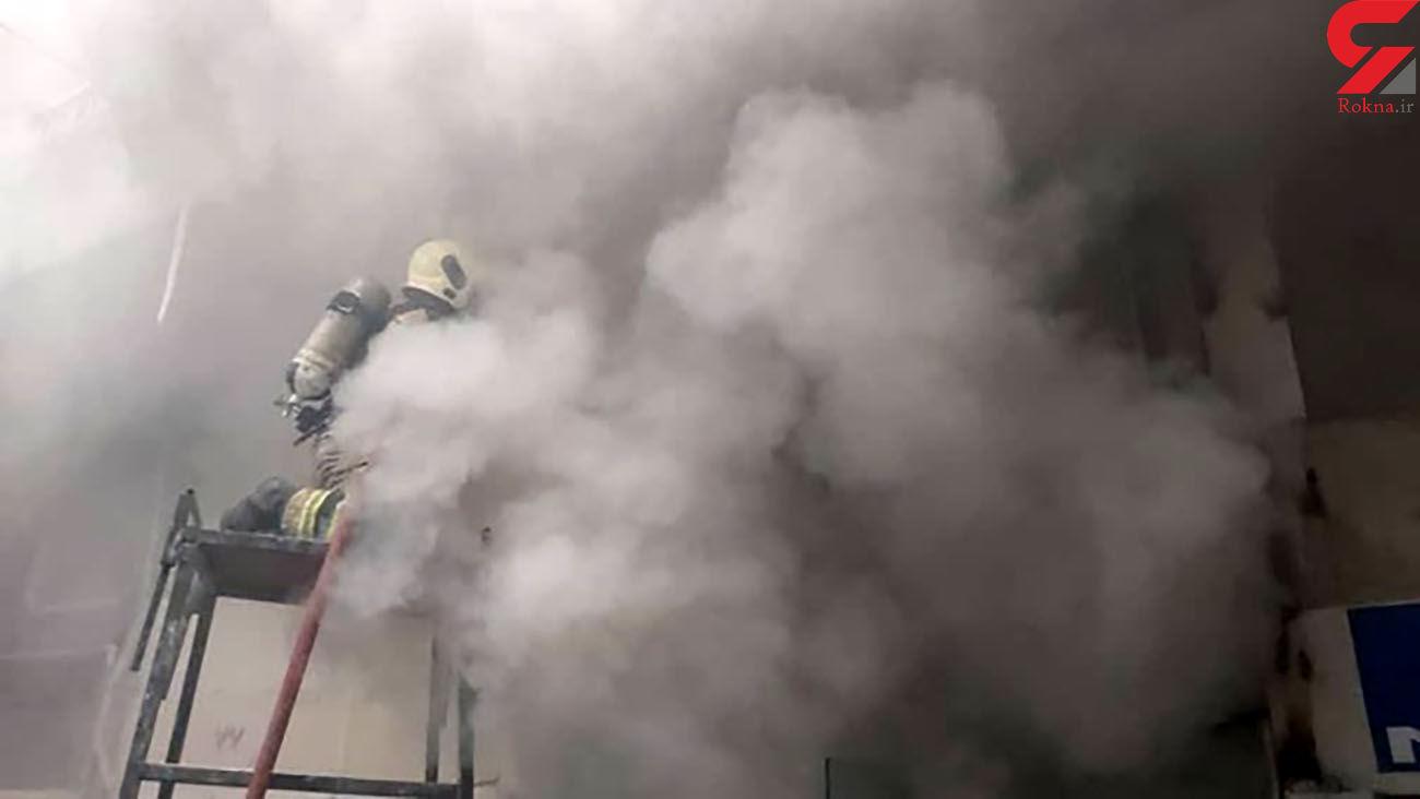 مهار آتش سوزی در فروشگاه پوشاک
