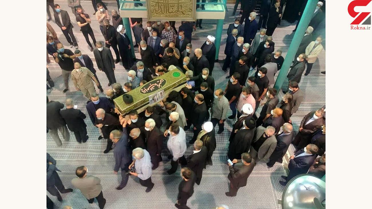 مراسم تشییع حجت الاسلام محتشمیپور در حسینیه جماران برگزارشد