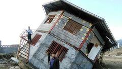 سیل خانه ساحلی را واژگون کرد+عکس