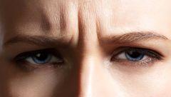 خط اخم را با نسخه های خانگی درمان کنید/زیبایی بدون نیاز به بوتاکس