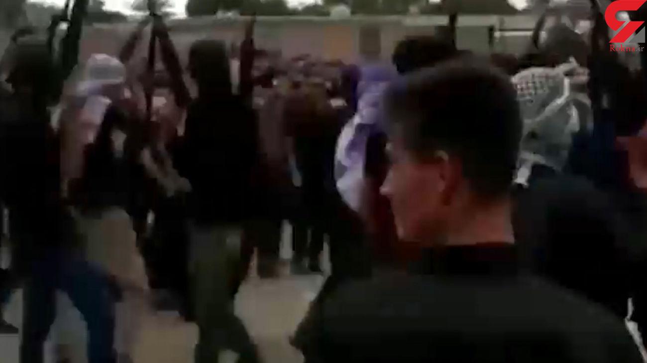 فیلم تیراندازی مردان مسلح خوزستانی در مراسم عزاداری