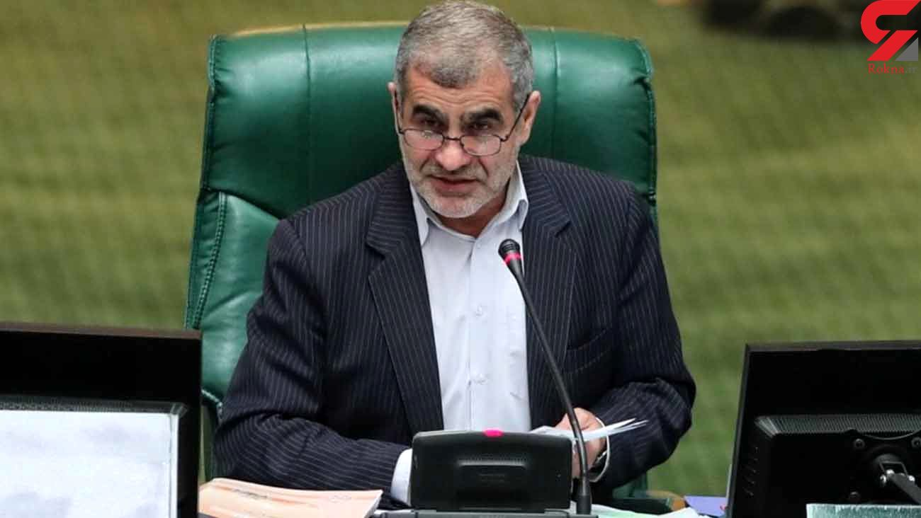 نیکزاد در اجتماع مردمی حامیان رئیسی در میدان ولیعصر تهران سخنرانی می کند