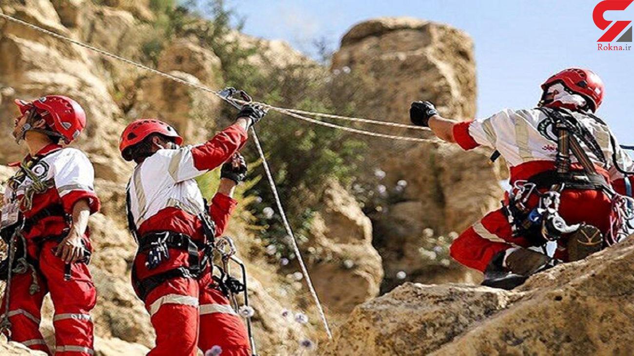 نجات 2 کوهنورد از ارتفاعات هفت چشمه البرز