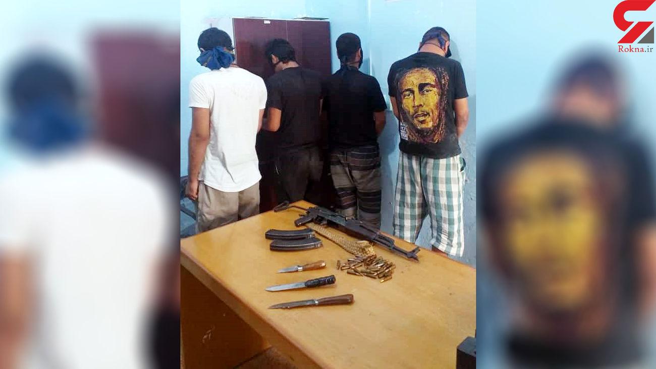 بازداشت مردان مسلح در آبادان / آنها در درگیری مسلحانه شلیک می کردند + عکس