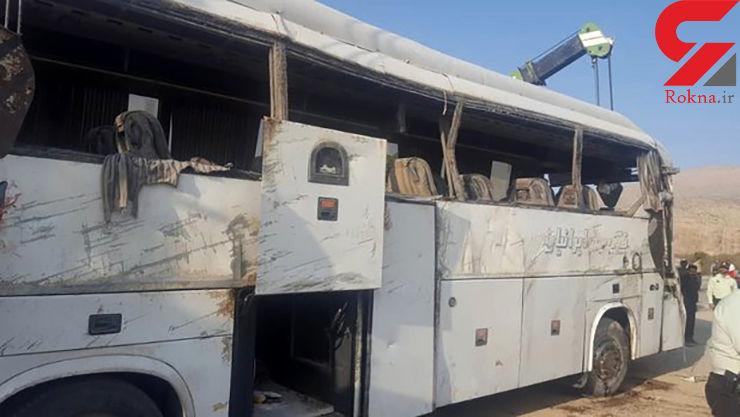 اولین عکس از واژگونی مرگبار اتوبوس در جاده اصفهان - شیراز / 5 تن کشته شدند