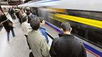 زن جوان خود را جلوی قطار مترو کرج انداخت