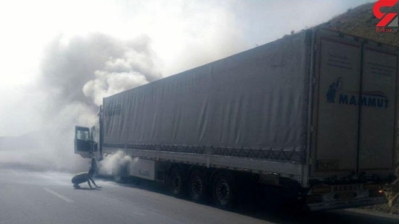 فیلم لحطه آتش سوزی کامیون اسکانیا در بیرجند - قاین