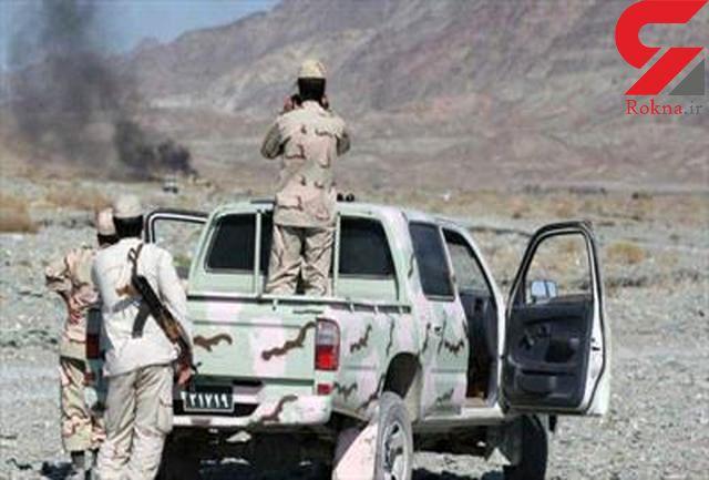 فرار قاچاقچیان مسلح از ترس پلیس ایرانشهر/307کیلو مواد را جا گذاشتند