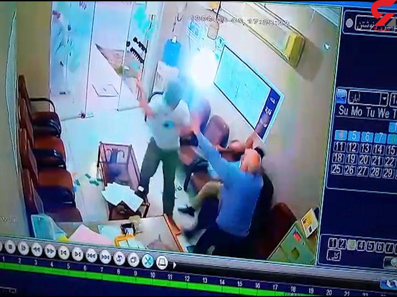 درگیری خونین خانواده عروس و داماد خرمشهری به خاطر جهیزیه +فیلم حمله با چاقو و قمه