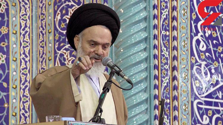 ملت ایران با ورود چند ناو جنگی آمریکا به منطقه عقب نشینی نمیکند