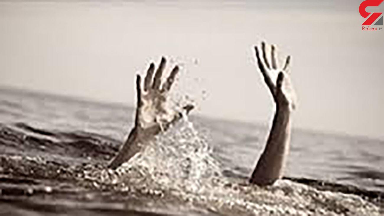 غرق شدن همزمان 15 زن و مرد در ساحل بابلسر / آنها مسافران 8 شهر بودند
