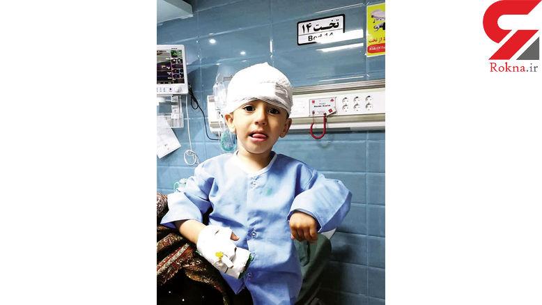 عکس خندههای علی کوچولو پس از معجزه نجات / گلوله برادرش به سرش خورد