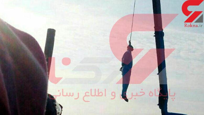 اولین عکس از اعدام قاتل سلاله دختر 5 ساله در ملا عام
