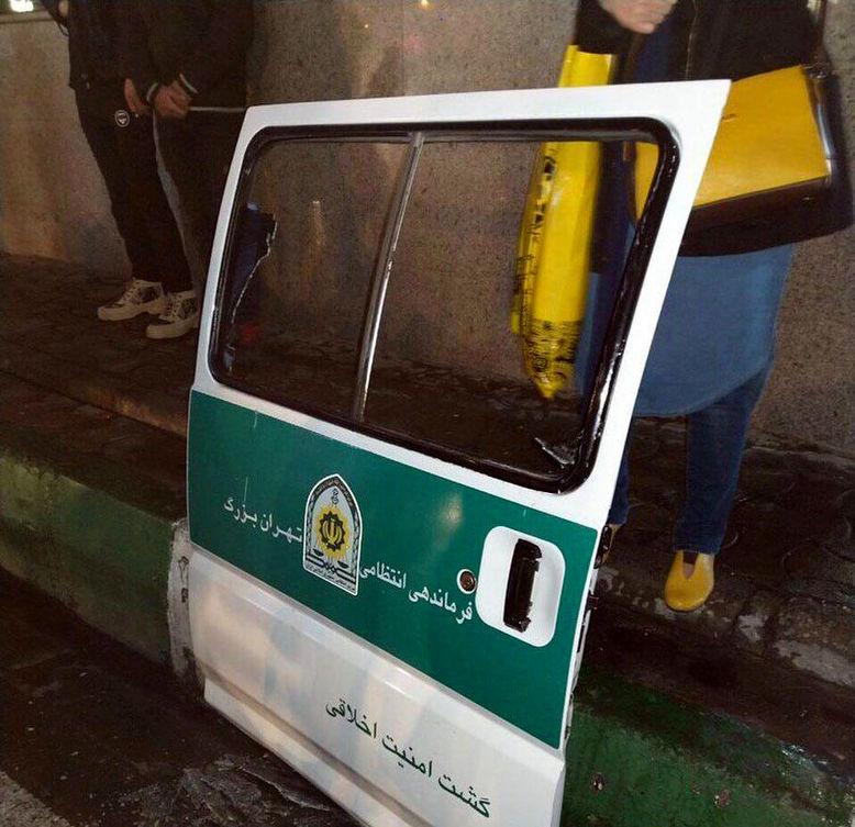 اولین فیلم از تیراندازی پلیس گشت ارشاد تهران هنگام دستگیری 2 زن بدحجاب + عکس
