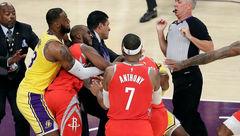 جریمه سنگین برای مشت زنی در NBA